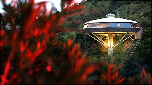 Architect_and_Friends_Blog_Chemosphere_House_today.jpg