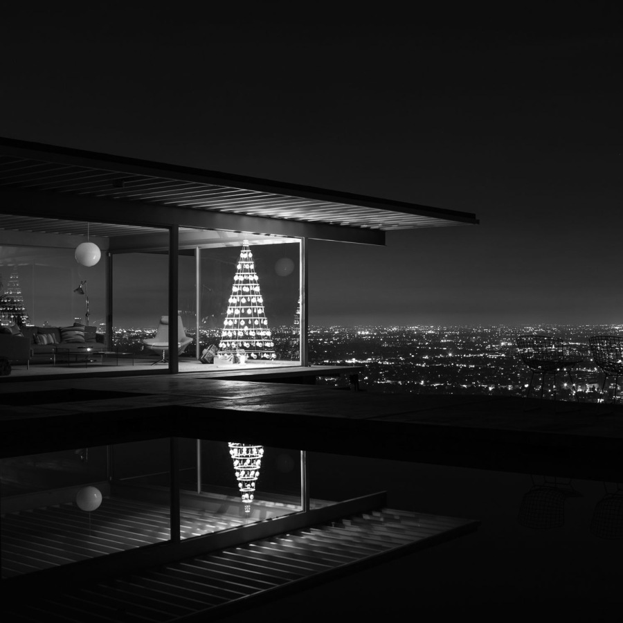 Christmas_Stahl_House_Los_Angeles_2016.jpg