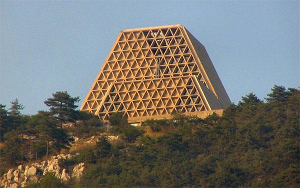 Architect_and_Friends_Blog_Brutalism_06